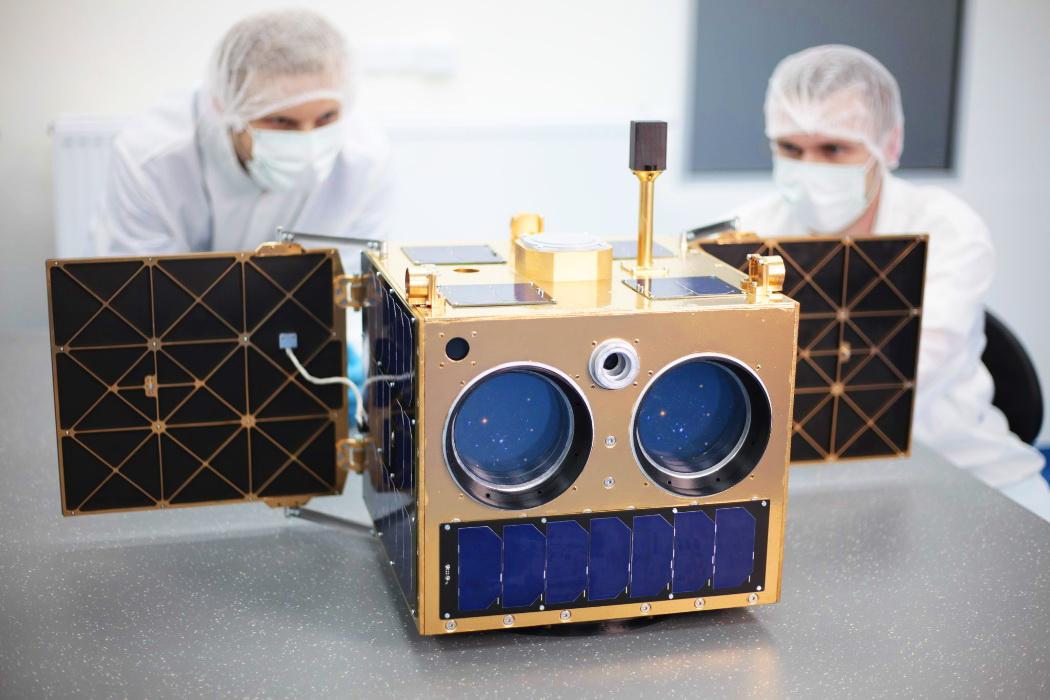 Model satelity 3HU